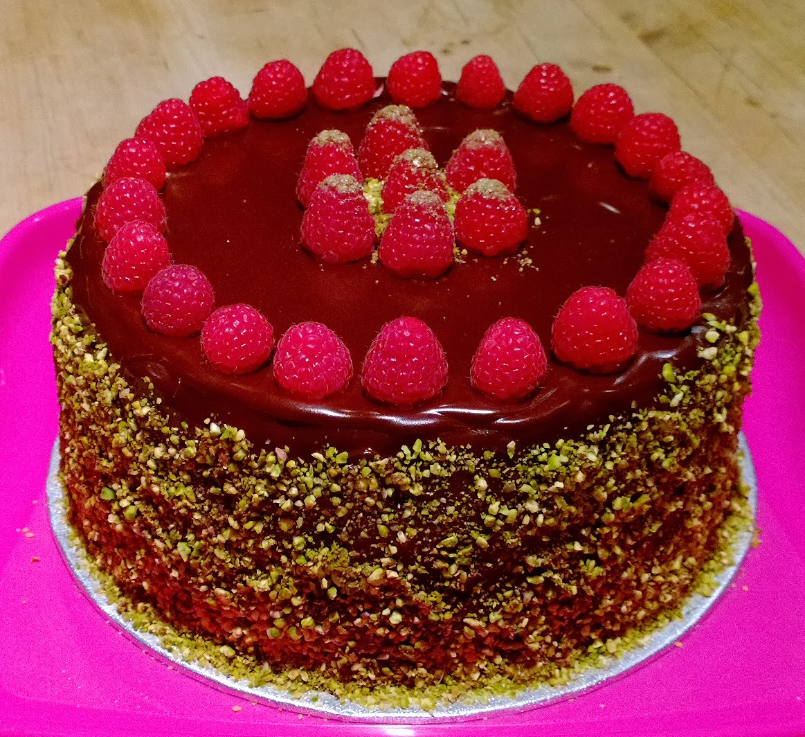 Charlie makes cakes: Pistachio, chocolate and raspberry layer cake