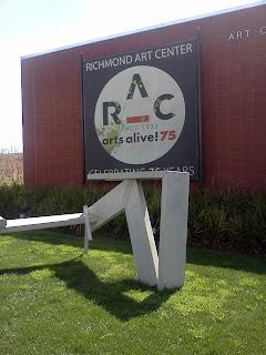 Richmond Art Center က ကေလးပန္းခ်ီျပပြဲ ျမင္ကြင္း