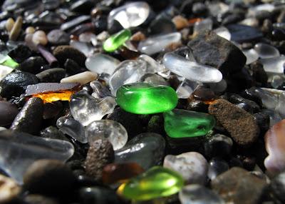 شاطىء الزجاج ، الشاطىء المرصع بالجواهر