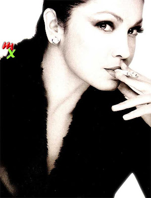 Pooja Pooja Bhatt hot photo