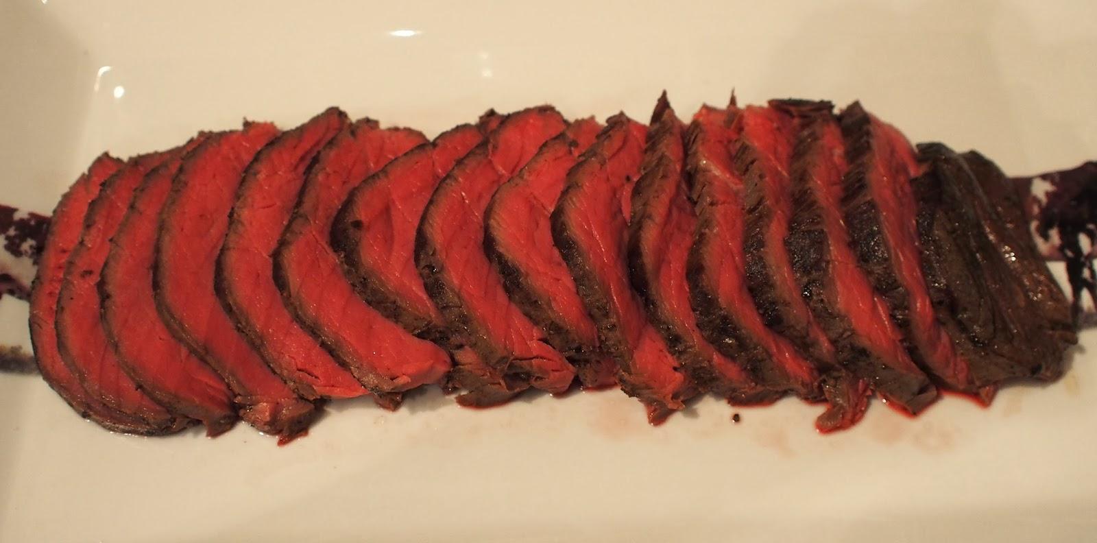 The renaissance girl cooks sous vide fillet of beef for Cuisine sous vide