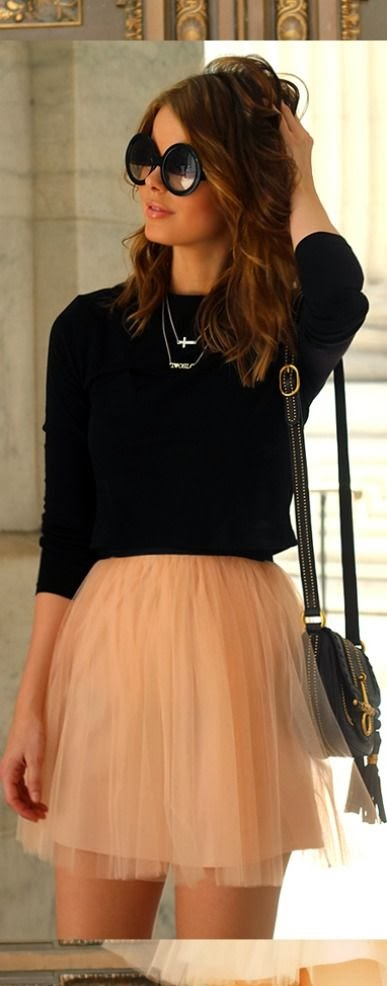Black warm shirt and skirt for ladies street fashion