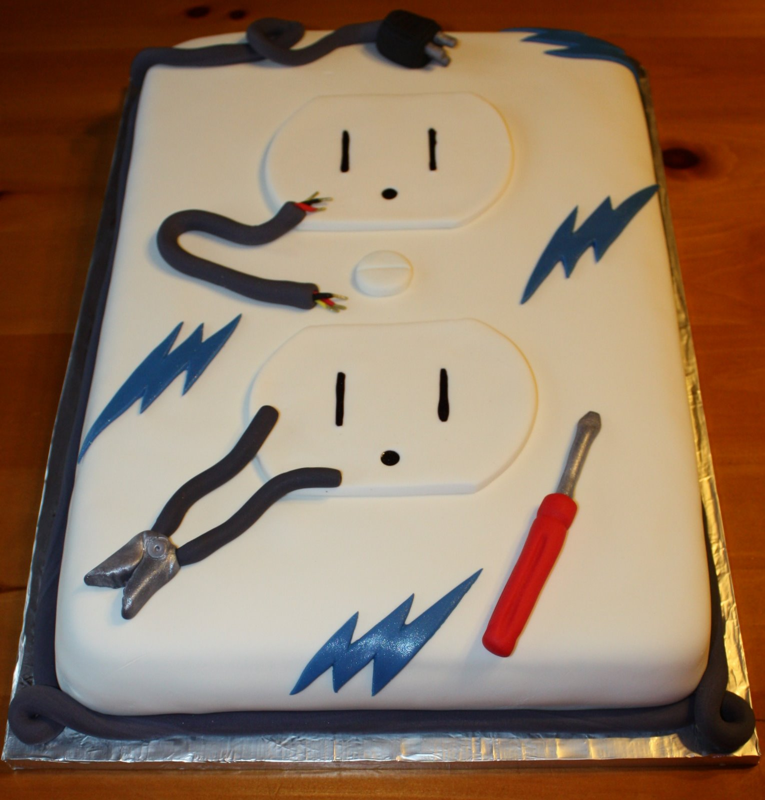 Electrician Cake Decorations http://community.babycenter.com/post/a39223144/cake_ideas