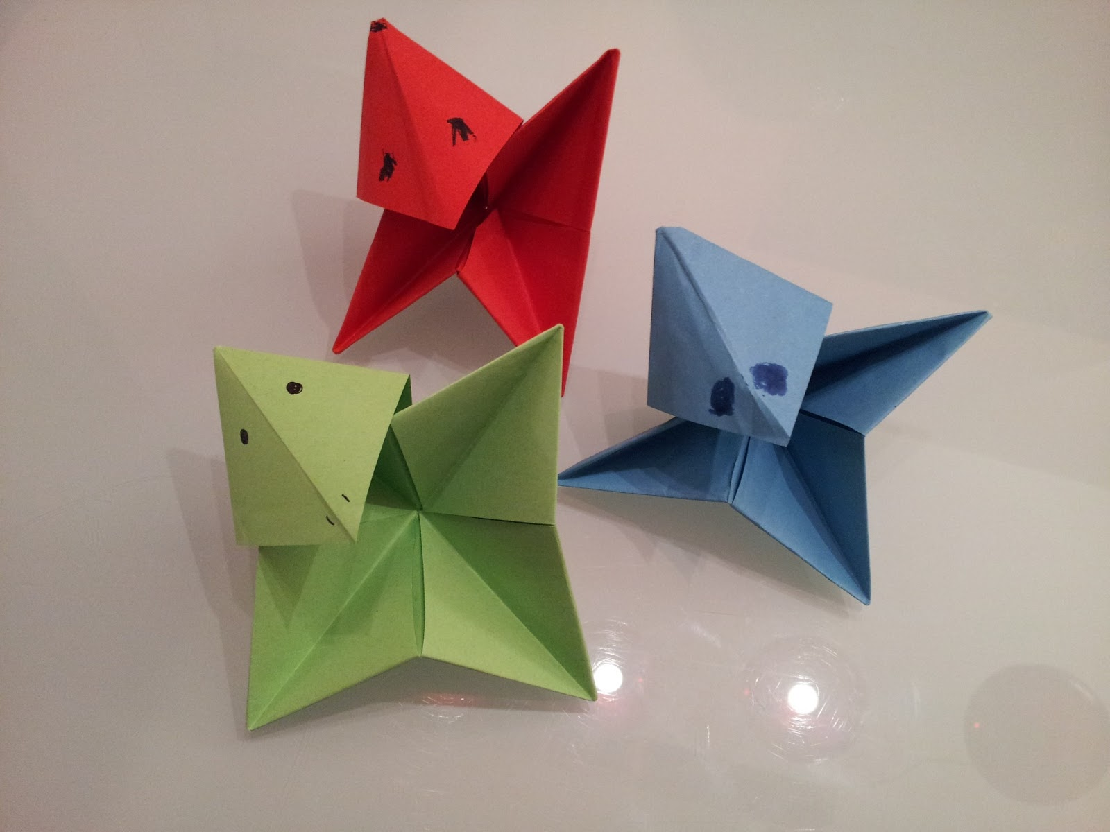 Paper moon origami third lesson by this time they were getting pretty tired and sleepy but when has a kid ever consented to stopping they always want more we quickly made these awkward jeuxipadfo Choice Image