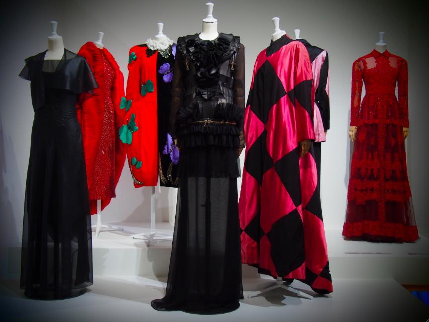 mus e de l 39 histoire de l 39 immigration exposition fashion mix mode d 39 ici cr ateurs d 39 ailleurs. Black Bedroom Furniture Sets. Home Design Ideas