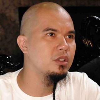 Biodata Profil dan Foto Ahmad Dhani Lengkap