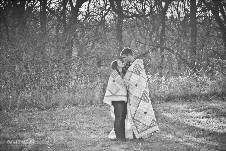 fall engagement photos at shawnee mission park