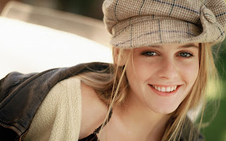 Alicia Silverstone Latest Wallpapers