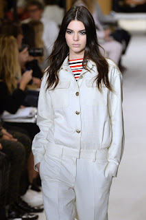 kendall-jenner-paris-fashion-week-sonia-rykiel-catwalk-03.jpg