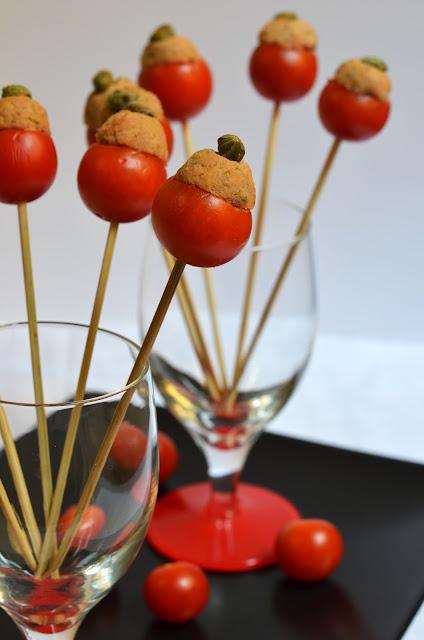 hiperica_lady_boheme_blog_di_cucina_ricette_gustose_facili_veloci_antipasti_finger_food_pomodorini_ripieni_2