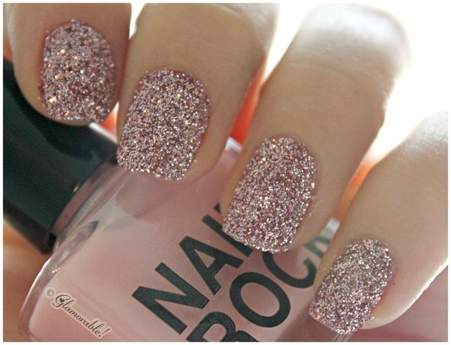 Would you wear... A velvet manicure?