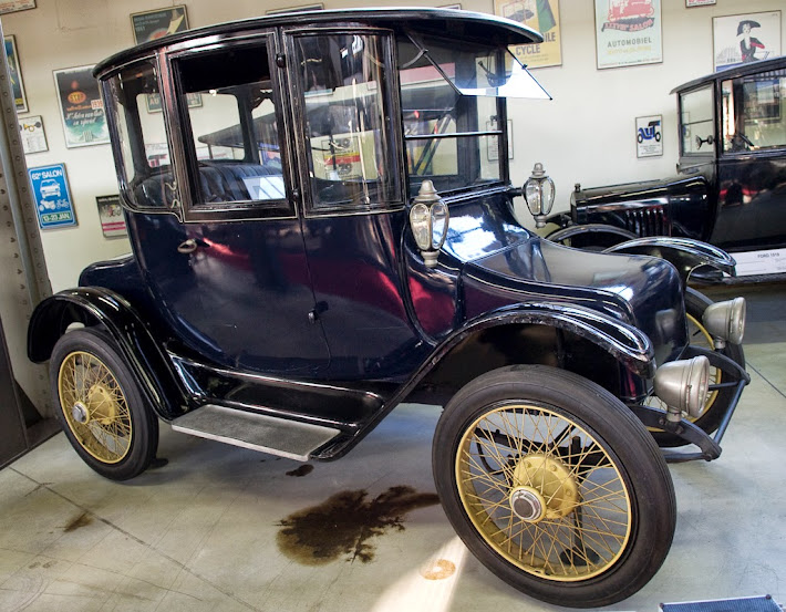 detroit electric essay History of electric cars essay  merely one electric auto company survived past the 1910s the detroit electric vehicle manufacturing company but it excessively .