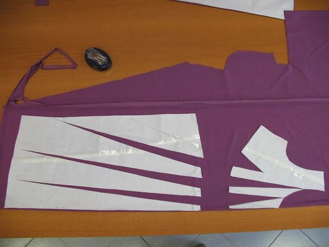 modello di carta su misura per abito con pieghe,abito in maglina carta modello