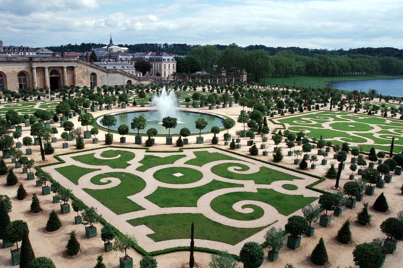 France the versailles gardens holiday and travel europe for Garden design versailles