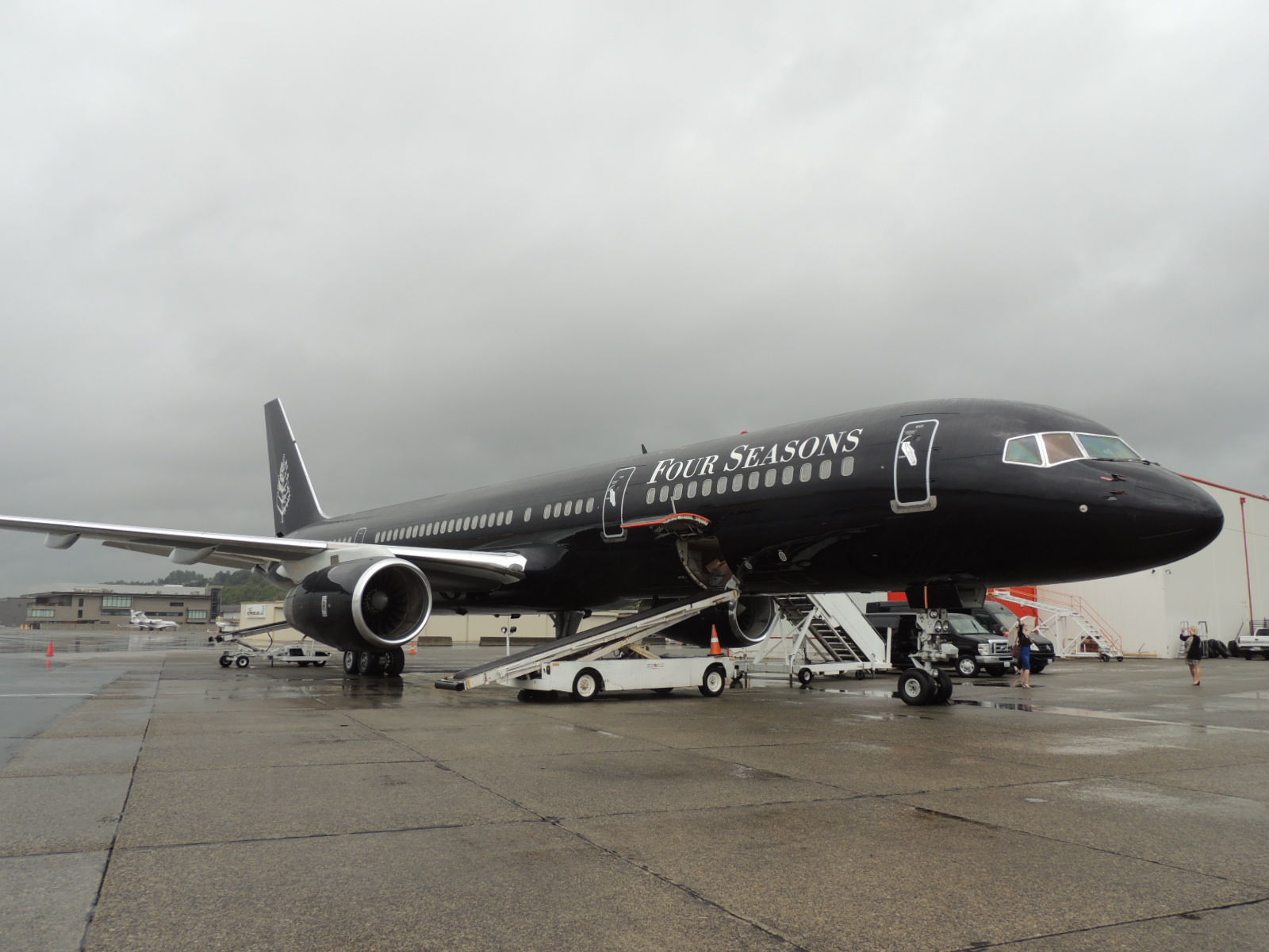 Travels With Carol Pucci Luxury Jet Travel All Aboard The Four Seasons 52 Seat Boeing 757