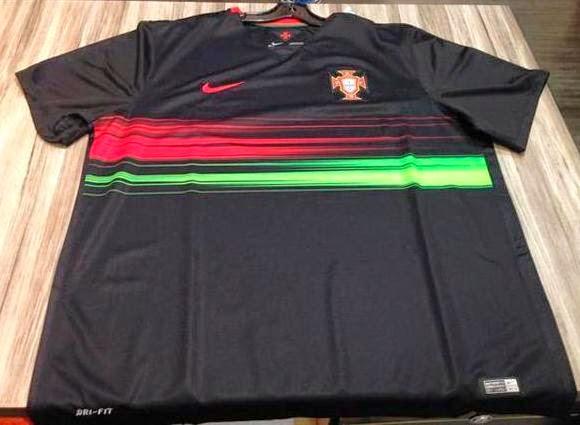 60b1f568541c1 Camisetas de futbol 2018 2019 baratas  Cristiano Ronaldo se vestirá de segunda  equipación Portugal 2015-16
