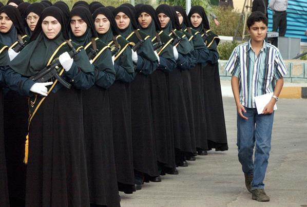 Polisi Wanita, Tetap Anggun Dengan Jilbab