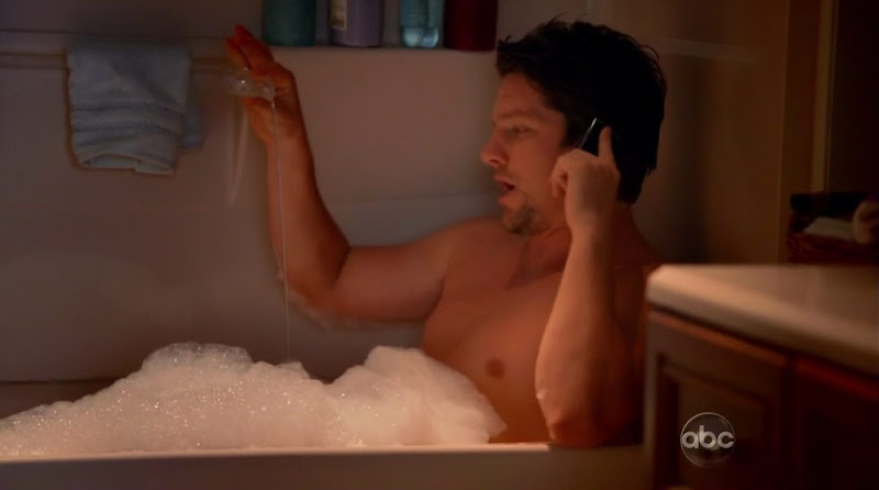 Zachary Knighton Shirtless on Happy Endings s1e06