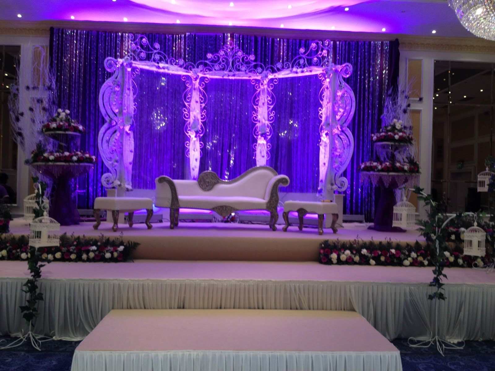 Maz 39 s blog our favourite in asian wedding decorations in for Asian wedding stage decoration birmingham