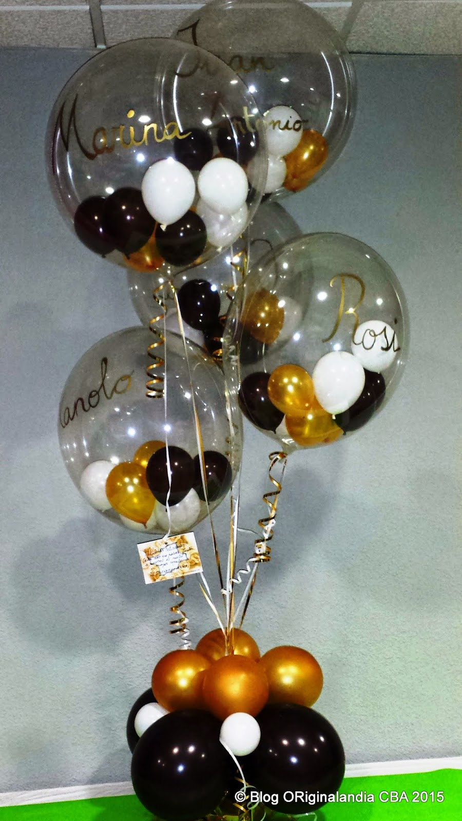 Champagne bottle with balloon bubbles 123bounce for Champagne balloon wall