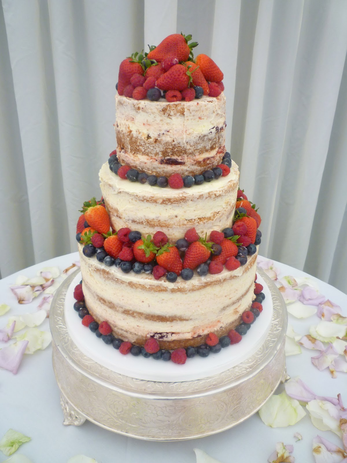 Mary Berries The vanilla pod bakery the mary berry cake the mary berry cake sisterspd