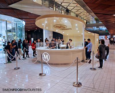 Simon food favourites pop up store design your own for Magnum pop up shop