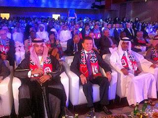Protocole oblige, le Président de la Fide, Kirsan Ilyumzhinov, et le Sheikh Sultan Bin Khalifa Al-Nehyan, président de la Fédération asiatique des échecs, ont prononcé les discours d'inauguration de l'événement © site officiel