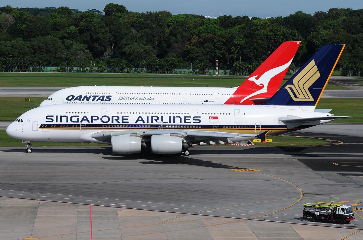 http://3.bp.blogspot.com/-oVnVQWRLJyE/T2NOH5E0GCI/AAAAAAAAHvo/eBMTlfAcQuc/s1600/singapore_qantas_twin_a380.jpg