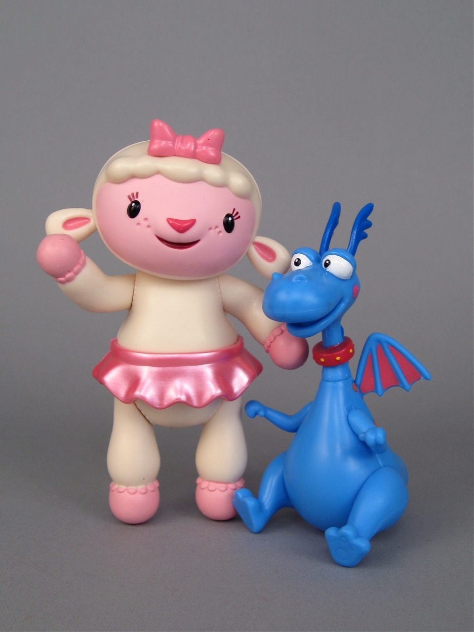 Doc McStuffins Lambie and Stuffy figures