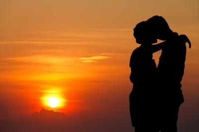 Uporedni ljubavni horoskop, prikaz zaljubljenog para