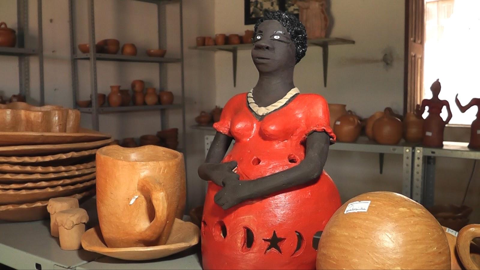 Adesivo Infantil De Parede ~ BLOG DO PAULINHO CASTRO  Itamatatiua comunidade quilombola que sobrevive do artesanato de