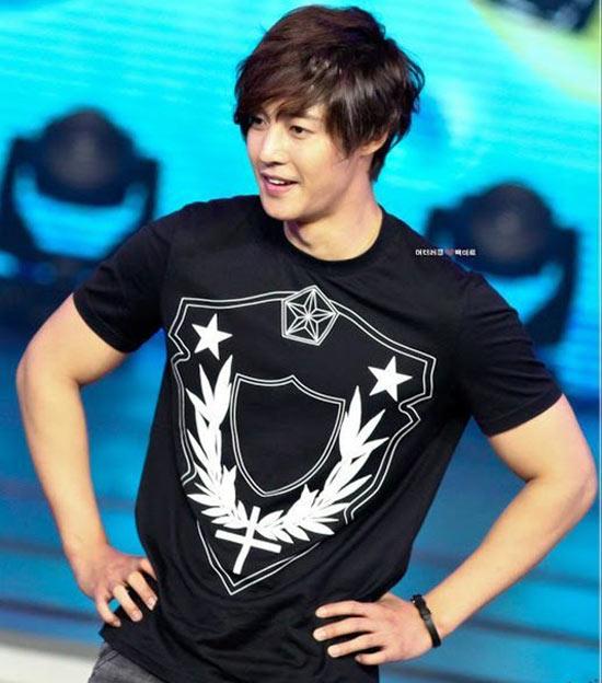 Kim Hyun Joong cũng vừa trở thành thành viên chính thức cho show truyền hình mới nhất của đài SBS – Dream Route (còn gọi là Barefoot Friends).