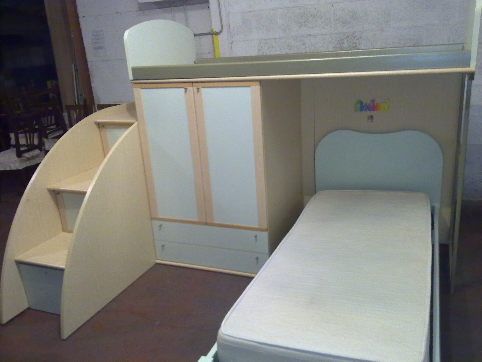 Arredamento usato a roma gennaio 2012 - Cerco divano angolare usato ...