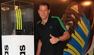Adidas presentó oficialmente el trofeo: