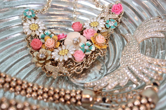 Statement Necklaces | Sprinkle of Glitter