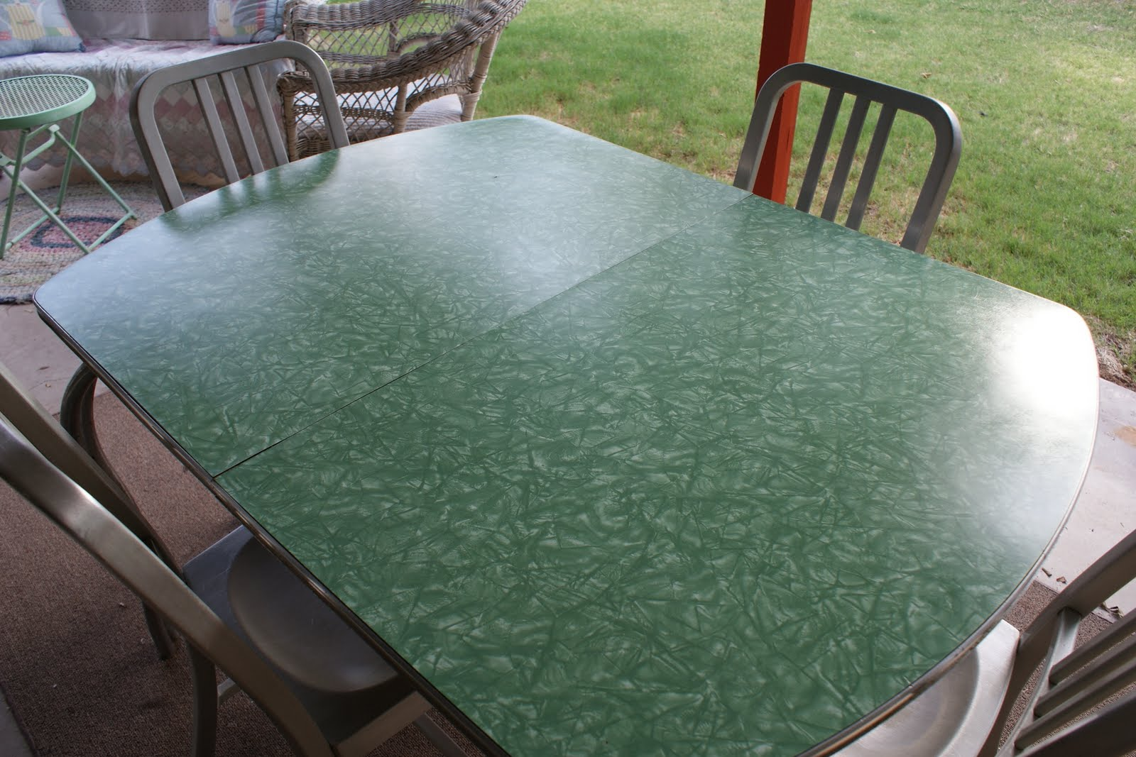 reminisce: vintage formica table