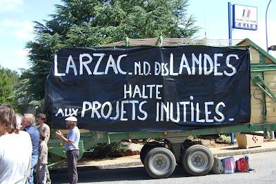 - Larzac – Notre-Dame-des-Landes : Halte aux projets inutiles ! dans - Aéroport Notre Dame Des Landes 2012-08-28_12.58.02_Soutien_Larzac_1749