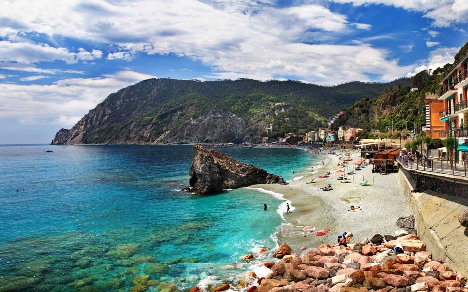 http://3.bp.blogspot.com/-oYHd0e55CNs/Ua_Dr0Y3PUI/AAAAAAABzp0/lfXF3gny_ss/s1600/monterosso-al-mare-cinque-terre-1920x1200-wallpaper-.jpg