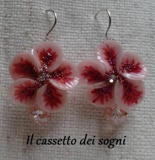 Pendente rose rosse + orecchini vari. Or.+fiori+rosa