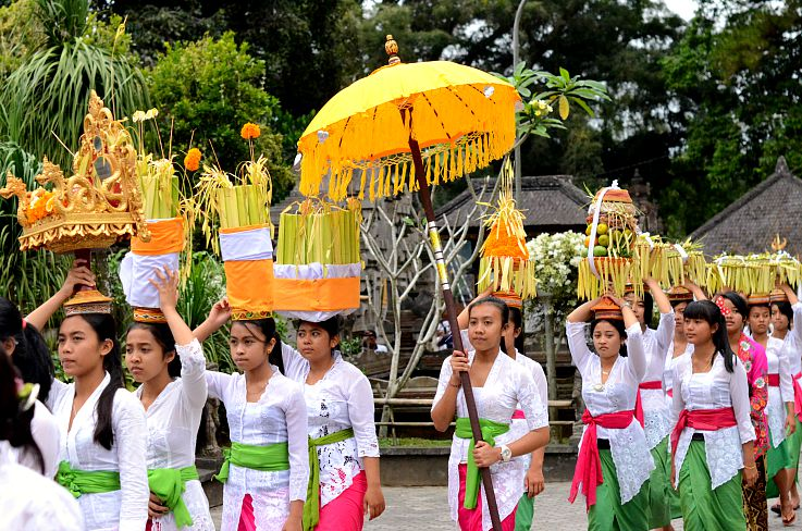 Bali, Full Moon Ceremony, Holy Water Temple, Indonesia,