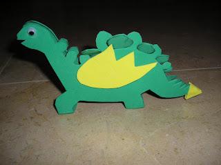 Lo he hecho con un dibujo de un dinosaurio que tenía por casa.