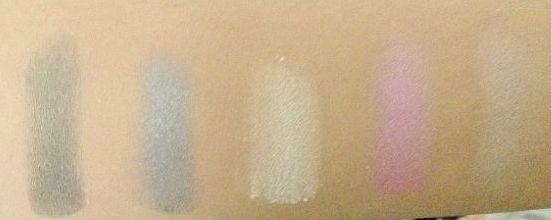 Mac 24 Eyeshadow palette by Vogue Magic
