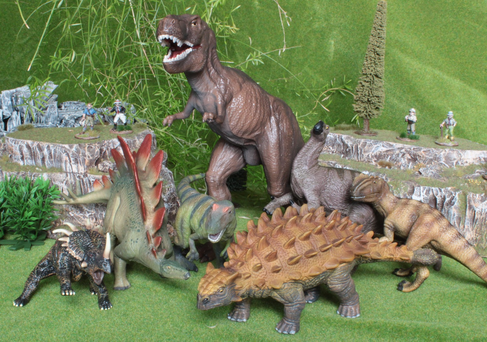 list of synonyms and antonyms of the word dinosaur paddock