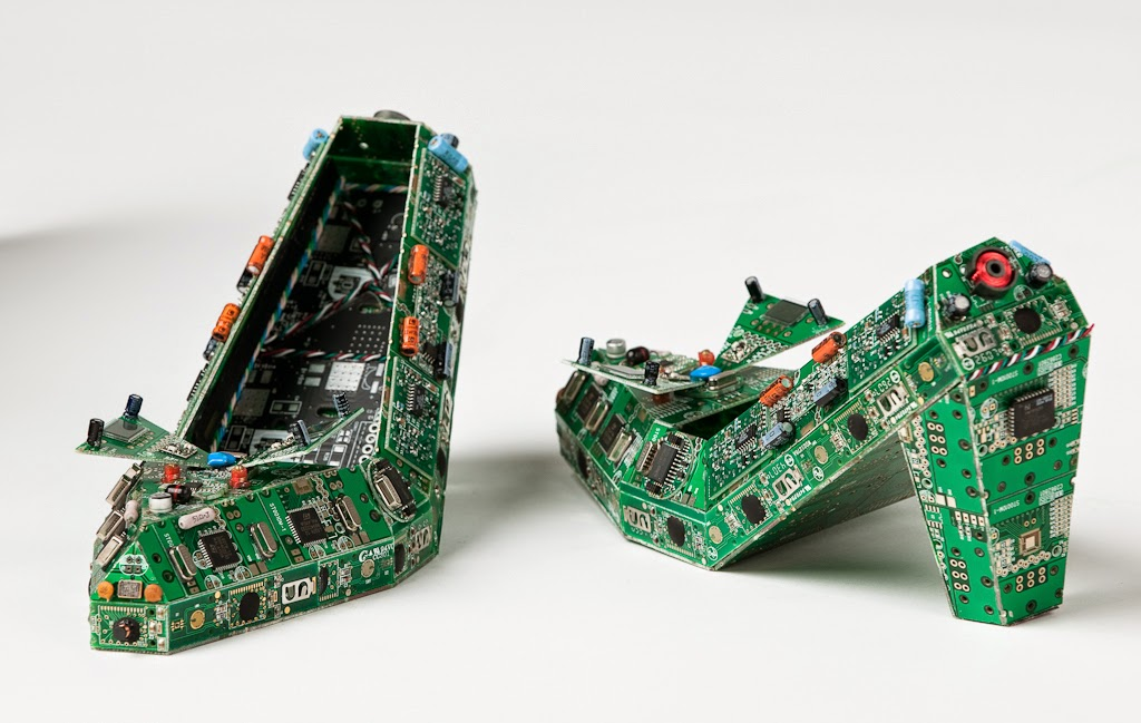 01-Shoes-Steven-Rodrig-Upcycle-PCB-Sculptures-from-used-Electronics-www-designstack-co