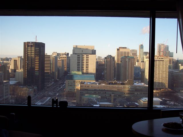 Day tripping ontario hilton toronto how to get a great deal for 100 floors 25th floor