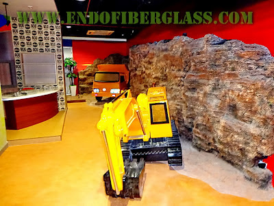 Patung Replika Tractor Dan Truck Fiberglass