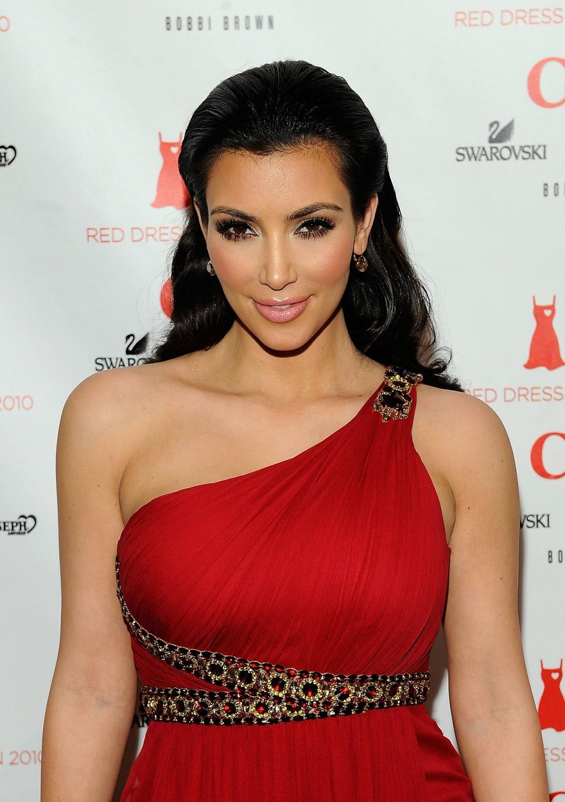 http://3.bp.blogspot.com/-oZoGT-r9M0g/UWjMHPdMXdI/AAAAAAAAa2I/ZZUr9xAMliA/s1600/kim+kardashian+dress+2013+(9).jpg