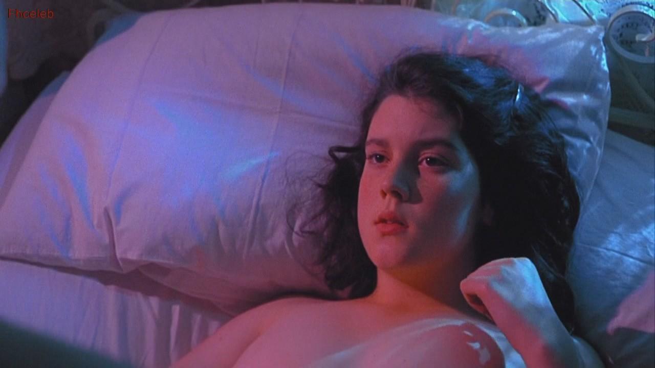 Kate Winslet Hot Lesbian Scene In Heavenly Creatures