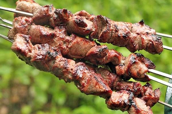 Очень сочные и нежные шашлыки из говядины.