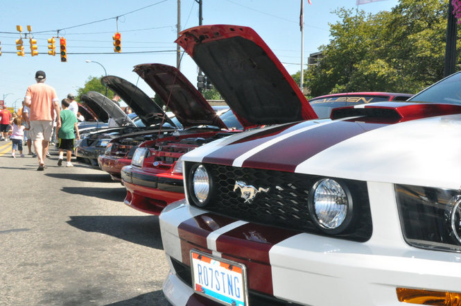 Ford Mustang Alley Draws Large Crowds at Woodward Dream Cruise